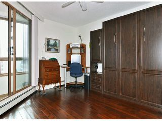 """Photo 11: 709 15111 RUSSELL Avenue: White Rock Condo for sale in """"PACIFIC TERRACE"""" (South Surrey White Rock)  : MLS®# F1405374"""