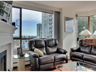 """Photo 3: 709 15111 RUSSELL Avenue: White Rock Condo for sale in """"PACIFIC TERRACE"""" (South Surrey White Rock)  : MLS®# F1405374"""