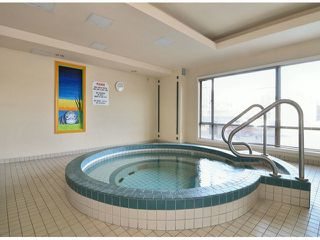 """Photo 19: 709 15111 RUSSELL Avenue: White Rock Condo for sale in """"PACIFIC TERRACE"""" (South Surrey White Rock)  : MLS®# F1405374"""