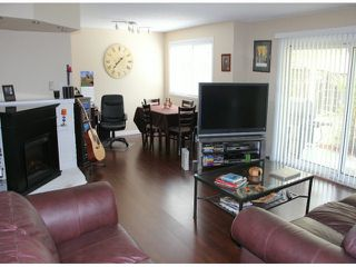 """Photo 4: 29 8555 KING GEORGE Boulevard in Surrey: Queen Mary Park Surrey Townhouse for sale in """"Bear Creek Village"""" : MLS®# F1409943"""