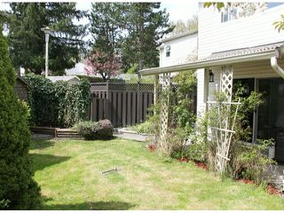 """Photo 8: 29 8555 KING GEORGE Boulevard in Surrey: Queen Mary Park Surrey Townhouse for sale in """"Bear Creek Village"""" : MLS®# F1409943"""