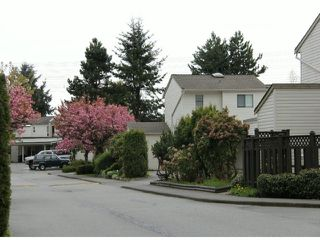 """Photo 11: 29 8555 KING GEORGE Boulevard in Surrey: Queen Mary Park Surrey Townhouse for sale in """"Bear Creek Village"""" : MLS®# F1409943"""