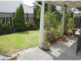 """Photo 9: 29 8555 KING GEORGE Boulevard in Surrey: Queen Mary Park Surrey Townhouse for sale in """"Bear Creek Village"""" : MLS®# F1409943"""