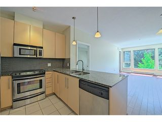 """Photo 7: 214 6268 EAGLES Drive in Vancouver: University VW Condo for sale in """"Clements Green"""" (Vancouver West)  : MLS®# V1067735"""