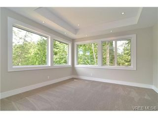 Photo 13: 111 Parsons Rd in VICTORIA: VR Six Mile Single Family Detached for sale (View Royal)  : MLS®# 684415