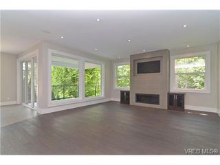 Photo 8: 111 Parsons Rd in VICTORIA: VR Six Mile Single Family Detached for sale (View Royal)  : MLS®# 684415