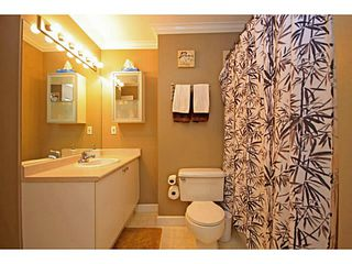 """Photo 8: 107 2340 HAWTHORNE Avenue in Port Coquitlam: Central Pt Coquitlam Condo for sale in """"BARRINGTON PLACE"""" : MLS®# V1097959"""