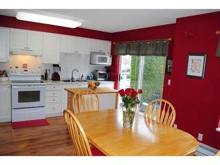"Photo 9: 101 8930 WALNUT GROVE Drive in Langley: Walnut Grove Townhouse for sale in ""Highland Ridge"" : MLS®# F1432655"