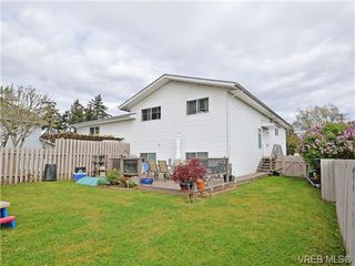 Photo 18: 1025 Goldstream Ave in VICTORIA: La Langford Proper Half Duplex for sale (Langford)  : MLS®# 699433