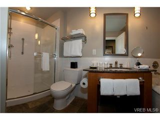 Photo 4: 232/234 1999 Country Club Way in VICTORIA: La Bear Mountain Condo for sale (Langford)  : MLS®# 704089