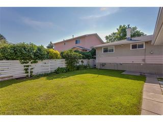Photo 33: 116 BENNETT Crescent NW in Calgary: Brentwood_Calg House for sale : MLS®# C4021551