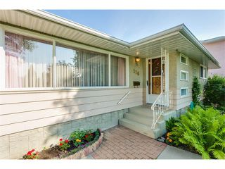 Photo 3: 116 BENNETT Crescent NW in Calgary: Brentwood_Calg House for sale : MLS®# C4021551