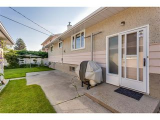 Photo 32: 116 BENNETT Crescent NW in Calgary: Brentwood_Calg House for sale : MLS®# C4021551
