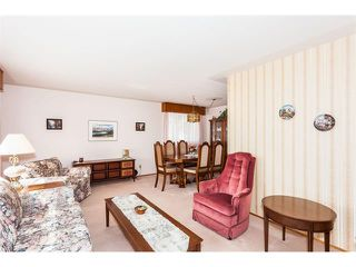 Photo 5: 116 BENNETT Crescent NW in Calgary: Brentwood_Calg House for sale : MLS®# C4021551