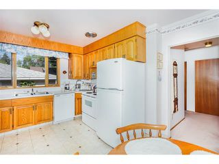 Photo 16: 116 BENNETT Crescent NW in Calgary: Brentwood_Calg House for sale : MLS®# C4021551