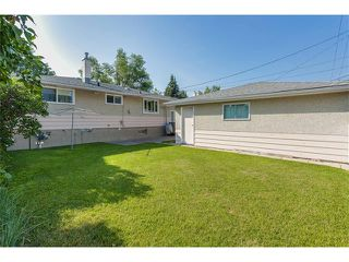Photo 34: 116 BENNETT Crescent NW in Calgary: Brentwood_Calg House for sale : MLS®# C4021551