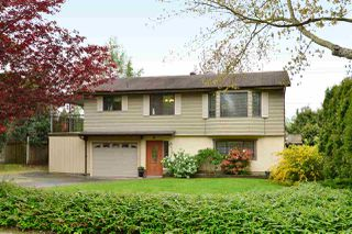 "Photo 1: 6337 SUNDANCE Drive in Surrey: Cloverdale BC House for sale in ""Cloverdale"" (Cloverdale)  : MLS®# R2056445"