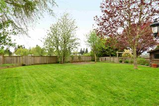 "Photo 18: 6337 SUNDANCE Drive in Surrey: Cloverdale BC House for sale in ""Cloverdale"" (Cloverdale)  : MLS®# R2056445"