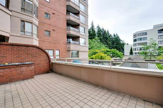 """Photo 9: 203 15111 RUSSELL Avenue: White Rock Condo for sale in """"Pacific Terrace"""" (South Surrey White Rock)  : MLS®# R2102035"""