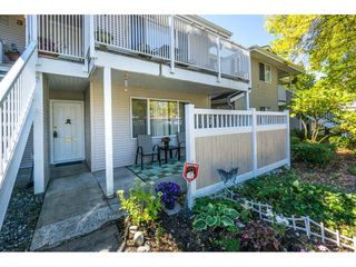 "Photo 2: 304 13955 72 Avenue in Surrey: East Newton Townhouse for sale in ""Newton Park One"" : MLS®# R2102777"