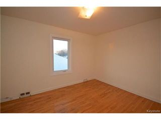 Photo 5: 395 McKay Avenue in Winnipeg: North Kildonan Residential for sale (3F)  : MLS®# 1700952
