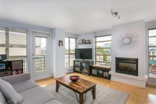 "Photo 1: 606 2137 W 10TH Avenue in Vancouver: Kitsilano Condo for sale in """"I"""" (Vancouver West)  : MLS®# R2159402"