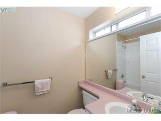 Photo 6: 13 3255 Rutledge Street in VICTORIA: SE Quadra Townhouse for sale (Saanich East)  : MLS®# 377150