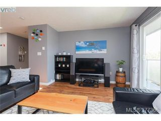 Photo 7: 305 3180 Albina Street in VICTORIA: SW Tillicum Condo Apartment for sale (Saanich West)  : MLS®# 377366