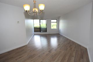 "Photo 3: 303 5224 204 Street in Langley: Langley City Condo for sale in ""South Wynde Court"" : MLS®# R2168465"