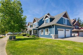 Photo 1: 969 Wild Blossom Crt in VICTORIA: La Happy Valley House for sale (Langford)  : MLS®# 761682