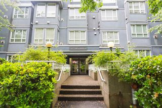 Photo 2: 405 3 N GARDEN DRIVE in Vancouver: Hastings Condo for sale (Vancouver East)  : MLS®# R2179165