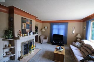 Photo 4: 920 Lodge Ave in VICTORIA: SE Quadra House for sale (Saanich East)  : MLS®# 770642