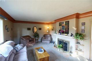 Photo 3: 920 Lodge Ave in VICTORIA: SE Quadra House for sale (Saanich East)  : MLS®# 770642