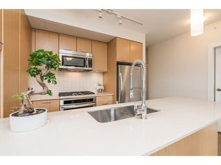 """Photo 8: 1001 301 CAPILANO Road in Port Moody: Port Moody Centre Condo for sale in """"THE RESIDENCES AT SUTER BROOK"""" : MLS®# R2218730"""