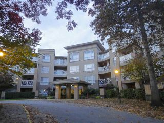 "Photo 1: 411 2551 PARKVIEW Lane in Port Coquitlam: Central Pt Coquitlam Condo for sale in ""The Crescent"" : MLS®# R2219293"