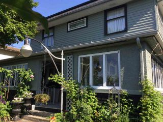 Photo 2: 33137 5TH AVENUE in Mission: Mission BC House for sale : MLS®# R2172151