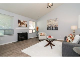Photo 3: 19850 68 Avenue in Langley: Willoughby Heights House for sale : MLS®# R2260931