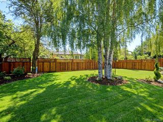 Photo 22: 2075 Neil Street in VICTORIA: OB North Oak Bay Single Family Detached for sale (Oak Bay)  : MLS®# 392633