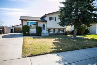 Photo 2: 506 Hall Crescent in Saskatoon: Westview Heights Residential for sale : MLS®# SK737137