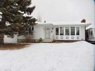 Main Photo: 8011 183 Street in Edmonton: Zone 20 House for sale : MLS®# E4139432