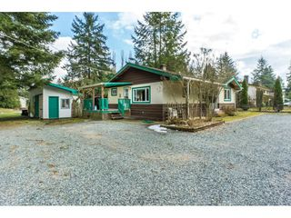 "Photo 2: 5164 236 Street in Langley: Salmon River House for sale in ""Salmon River"" : MLS®# R2347868"