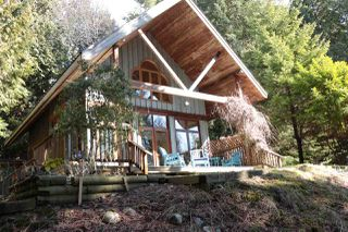 Photo 1: 1603 GRANDVIEW Road in Gibsons: Gibsons & Area House for sale (Sunshine Coast)  : MLS®# R2348481