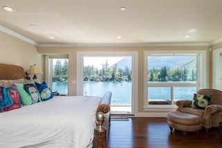 Photo 12: 38 LAKESHORE Drive: Cultus Lake House for sale : MLS®# R2353493