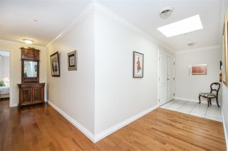 "Photo 7: 401 1283 PARKGATE Avenue in North Vancouver: Northlands Condo for sale in ""Parkgate Place"" : MLS®# R2355284"