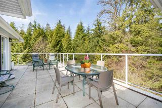 "Photo 1: 401 1283 PARKGATE Avenue in North Vancouver: Northlands Condo for sale in ""Parkgate Place"" : MLS®# R2355284"