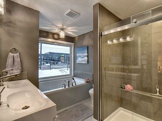 Photo 12: 14026 101A Avenue in Edmonton: Zone 11 House for sale : MLS®# E4152205