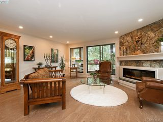 Photo 3: 306 1106 Glenora Pl in VICTORIA: SE Maplewood Condo for sale (Saanich East)  : MLS®# 815481
