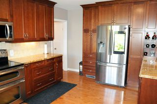 Photo 11: 14018 100 Avenue in Edmonton: Zone 11 House for sale : MLS®# E4162306