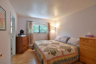 Photo 8: 1063 FIRCREST Road in Gibsons: Gibsons & Area House for sale (Sunshine Coast)  : MLS®# R2384299