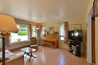 Photo 5: 1063 FIRCREST Road in Gibsons: Gibsons & Area House for sale (Sunshine Coast)  : MLS®# R2384299